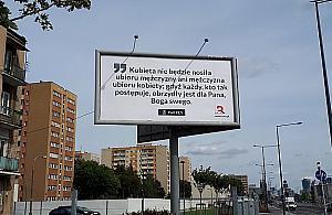 """""""Kobieta nie będzie nosiła ubioru mężczyzny"""". Nowe billboardy w Warszawie"""