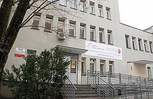 Martwy mê¿czyzna przed Szpitalem Czerniakowskim