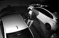 Nocne kradzie�e na parkingach. Trwa walka ze z�odziejami