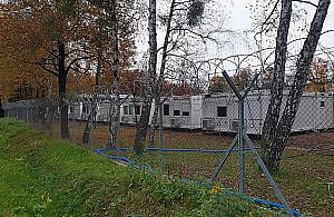 Kontenery w Lesie Bemowskim. To tymczasowy szpital