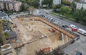 """Na Wrzecionie ruszy³a budowa bloku. """"Dziêkujemy za pozbawienie nas parkingów"""""""