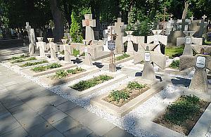 Spacer po Cmentarzu Prawos³awnym. Ukraiñskie nagrobki jak nowe