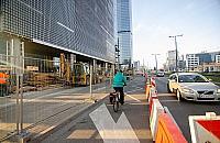 Wiêcej miejsca dla pieszych i rowerzystów. Zmiany na Prostej