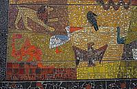 Nietypowy zabytek Wawra. Mozaika z lat sze¶ædziesi±tych pod ochron±