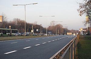 Tak siê je¼dzi po Warszawie. 145 km/h na Pu³kowej