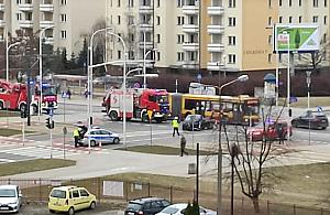 Wypadek na Nowodworach. Bus wyl±dowa³ na boku