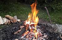Kominki, grille i ogniska zabronione. Zakaz w siedmiu dzielnicach