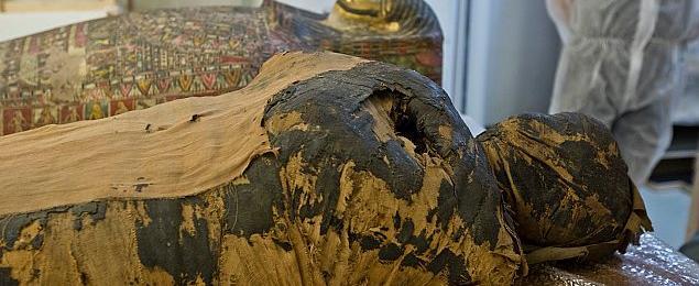 Sensacja archeologiczna w Warszawie. Jedyna na ¶wiecie mumia kobiety w ci±¿y
