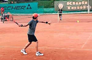 Ogólnodostêpny kort tenisowy dla Zielonej Bia³o³êki? Trzeba zag³osowaæ, by pod±¿aæ ¶ladami Igi ¦wi±tek