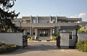"""Tajemnicza i unikatowa. Ambasada Korei Pó³nocnej """"dobrem kultury wspó³czesnej""""?"""