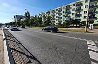 Broniewskiego: trzeci pas ruchu czy parking? Spór na Bielanach