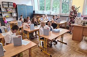 W Warszawie brakuje nauczycieli. Jak jest na Bielanach?