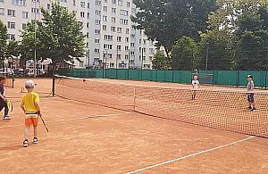 Tenis na Wawrzyszewie. Korty s±, chêtnych nie ma