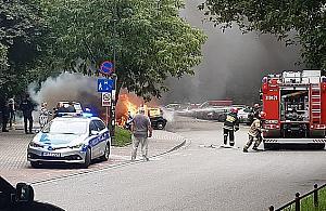 Gro¼ny po¿ar aut na Chomiczówce