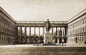 """Historycy o Pa³acu Saskim: """"Odbudowa Warszawy nie jest ukoñczona"""""""