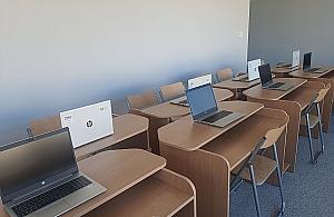 Laptopy dla najwiêkszej szko³y w Polsce w prezencie od PSE