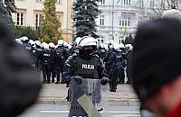 Nawet z brzuszkiem mo¿na byæ policjantem. Jak sprawni fizycznie s± mundurowi?